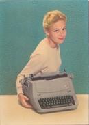 CPSM Femme Lady Machine à écrire Typewriter Dactylographe Typist Schreibmaschine Fantaisie - Femmes