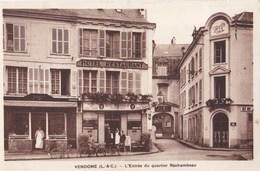 Carte Postale: Vendôme (41)  L'entrée Du Quartier Rochambeau    Ed  Lenormand Orléans  Hotels Bessemoulin    Lion D'Or - Vendome