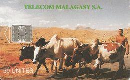 CARTE +PUCE-50U--SC7-MADAGACAR-ZEBUS-V° MIASA HO ANAO- Petits N° Rouge En Bas A Droite-TBE - Madagascar