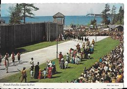 CPA MACKINAW (Michigan- Etats-Unis).  French Families Leave The Fort. Très Animé. .A883 - Etats-Unis