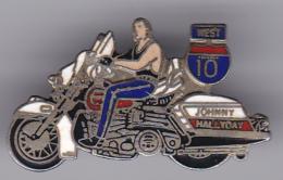 52649-Pin's.Johnny Hallyday - Celebrities