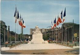 Roubaix: CITROËN 2CV, RENAULT 4-COMBI, VW 1200 KÄFER/COX - Monument Aux Morts - (Nord) - PKW