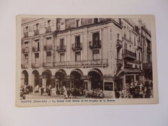 Dieppe, Le Grand Café Suisse Et Les Arcades De La Bourse. - Dieppe