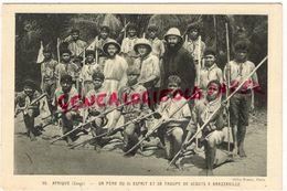 AFRIQUE- CONGO BRAZZAVILLE- UN PERE DU ST ESPRIT ET SA TROUPE DE SCOUTS SCOUTISME- SCOUT - Brazzaville