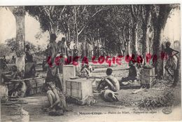 AFRIQUE- CONGO - PLAINE DU NIARI - PORTEURS AU REPOS 1915 - Congo - Brazzaville