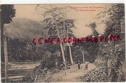 AFRIQUE- CONGO - ROUTE AU BORD DU KOUILOU A KAKAMOUEKA - Congo - Brazzaville
