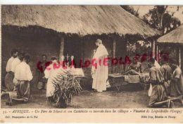 AFRIQUE- CONGO -UN PERE DE SCHEUT ET SON CATECHISTE EN TOURNEE DANS LES VILLAGES-VICARIAT DE LEOPOLDVILLE - CHRIST - Congo - Brazzaville