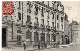 Nièvre - NEVERS - Devant La Poste - Attelages - 1905 - Nevers