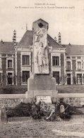 B40694 Combles, Le Monument Aux Morts - Francia