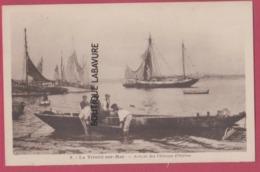 56 - LA TRINITE SUR MER--Arrivée Des Pecheurs D'Huitres--barque--animé---cpsm Pf - La Trinite Sur Mer