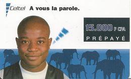 CARTE-PREPAYEE-GSM-GABON-15000F CFA-HOMME Et ELEPHANTS-07/2001-TBE - Gabon