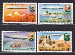 MADAGASCAR N°  580 à 583 ** MNH Neufs Sans Charnière, TB  (D3656) 75ème Anniversaire Des Zeppelins - Madagascar (1960-...)