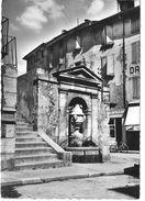 04 ALPES HAUTE PROVENCE Fontaine Place Du Marché à DIGNE Les BAINS - Digne