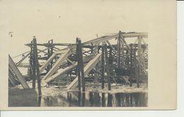 """AK """"zerstörte Bahnbrücke"""" - War 1914-18"""