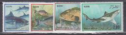 ALGERIE     1985       Poissons          N .       831 / 834       COTE     6 , 75   EUROS       ( S 10 ) - Algérie (1962-...)