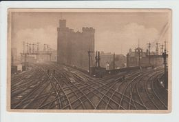 NEWCASTLE ON TYNE - ROYAUME UNI - LARGEST RAILWAY CROSSING IN THE WORLD - Newcastle-upon-Tyne