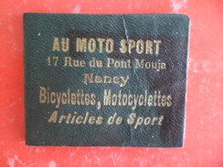 Miroir De Poche Courtoisie Au Moto - Sport 17 Rue Pont Mouja NANCY Bicyclette Motocyclette Articles Sport - Couleur Vert - Advertising (Porcelain) Signs
