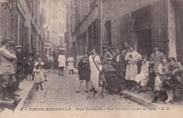 13 /  VIEUX MARSEILLE /  PROSTITUTION /  RUE BOUTERIE / CES DAMES APRES LE CAFE / LV 5 - Marseilles