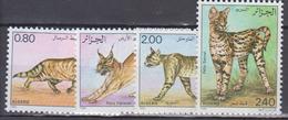 ALGERIE     1986     Faune      N . 858 / 861       COTE     7 , 25   EUROS       ( S 17 ) - Algérie (1962-...)