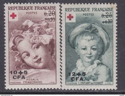 Réunion N° 353 / 54 X Au Profit De La Croix Rouge : Les 2 Valeurs Surchargées CFA, Trace De Charnière Sinon TB - La Isla De La Reunion (1852-1975)