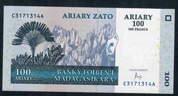 MADAGASCAR P86c 100 ARIARY  2004  CA Signature 7 Issued 2016 UNC. - Madagascar