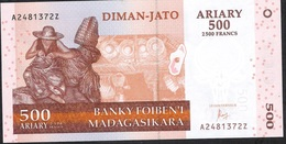MADAGASCAR P88d 500 ARIARY  2004  AZ Signature 7 Issued 2016 UNC. - Madagaskar