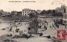 BATZ SUR MER - Le Menhir Et La Plage - Batz-sur-Mer (Bourg De B.)