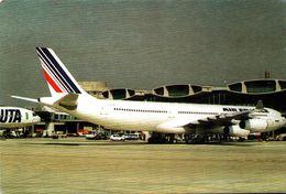 Profil A340 - 007b F-GLZB - 1946-....: Moderne