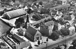 CPSM Dentellée - DORNES (58) - Vue Aérienne Sur Le Quartier Des Ecoles Et Du Marché Dans Les Années 50 - France