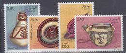 ALGERIE     1984           N . 805 / 808       COTE     5 , 00   EUROS        ( S 27 ) - Algérie (1962-...)