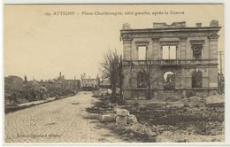 ATTIGNY  -  La Place Charlemagne Après La Guerre  -  Ed. Deroche, N° 109 - Attigny