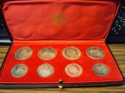 ANDORRA SERIE DE 8 MONEDAS DE PLATA FDC. AÑOS 1960-63-64 Y 1965 PRESENTADAS EN UN ESTUCHE ORIGINAL DE EPOCA.. - Andorra