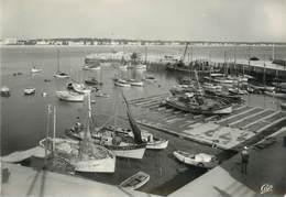"""/ CPSM FRANCE 17 """"Royan, Le Port """" - Royan"""