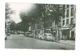 79 -- NIORT --  HOTEL LUTETIA ET L'AVENUE DE PARIS (automobiles Citroen, Commerces...) - Niort
