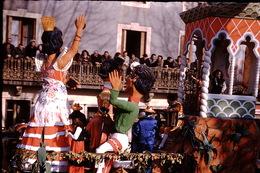 Photo Diapo Diapositive Chalon Sur Saône 1959 Char Carnaval VOIR ZOOM - Dias