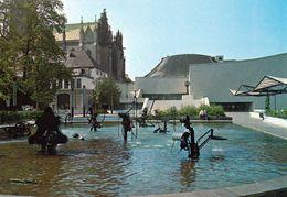 1 AK Schweiz * Basel - Fasnachts-Brunnen Mit Zehn Maschinellen Skulpturen Von Tinguely Am Stadttheater * - BS Bâle-Ville