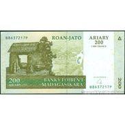 TWN - MADAGASCAR 87b - 200 Francs 2004 B XXXXXXX P UNC - Madagascar