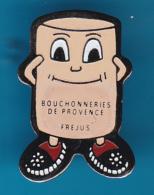 52661-Pin's.Bouchonnerie De Provence.Frejus.vin.boissons.bouchon.liege. - Beverages