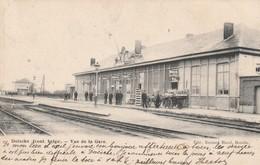 Doische , ( Front.Belge ) Vue De La Gare  ;  ( Version RARE )griffe Linéaire Doische Et Cachet Charleroy (sud) Charleroi - Doische