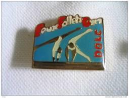 Pin's Feux Follets GYM De DOLE - Gymnastics