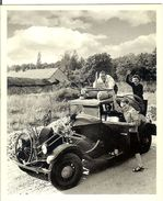 VOITURE DU WEEK END EN 1945 PHOTOGRAPHIE DE ROBERT DOISNEAU - Fotografía