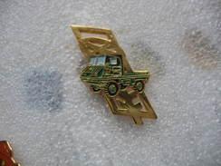 Pin's STEYR PUCH Haflinger, 4x4 Militaire D'origine Suisse - Unclassified