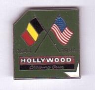 HH197 Pin's Alimentation Chewing Gum Hollywood Debarquement Armée Usa Qualité Egf Version Argent Achat Immédiat - Levensmiddelen