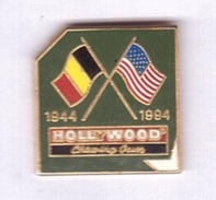 HH227 Pin's Alimentation Chewing Gum Hollywood Debarquement Armée Usa Qualité Egf Version DOREE Achat Immédiat - Levensmiddelen