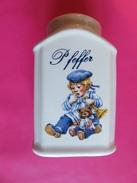 265 - Poivrière Pfeffer En Faience - Décor Fillette Et Ourson En Marinière - Ceramics & Pottery