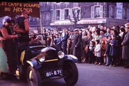 Photo Diapo Diapositive Chalon Sur Saône 1959 Carnaval Café De La Terrasse Vins Mercurey Antonin RODET VOIR ZOOM - Dias