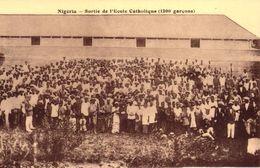 NIGERIA - SORTIE DE L'ECOLE CATHOLIQUE 1200 GARCONS - Nigeria