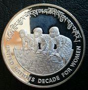 "BHUTAN 100 NGULTRUM 1984 SILVER PROOF ""Decade For Women"" (free Shipping Via Registered Air Mail) - Bhutan"