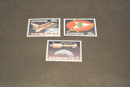 K13396- Set  MNH Surinam 1982- SC. 588-590- Research And Peaceful Uses Of Space - Space