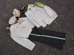 TRES BEL ENSEMBLE CAPITAINE INFANTERIE  COLONIALE - CONSEILLER MILITAIRE SENEGAL 1965  à Voir .... - Uniforms